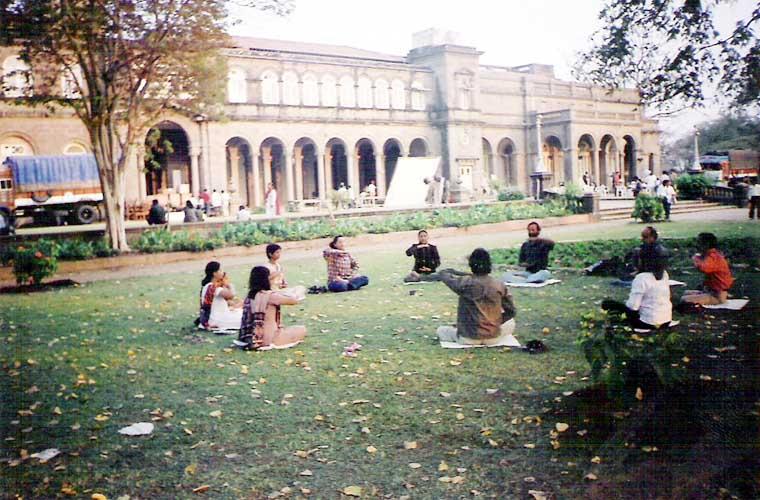 Pune India  city photos gallery : Photo Report: Pune, India's Falun Gong Practice Site | Falun Dafa ...