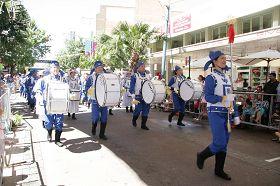 天国乐团参加澳洲堪普汤渔人节大游行