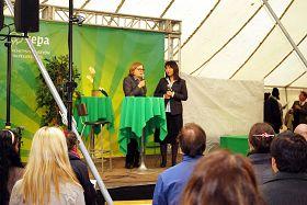 欧洲议会议员、人权委员会主席海蒂•浩塔拉女士对法轮功学员吕适平进行专访