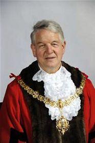 剑桥市长伊恩•尼莫史密斯(Ian