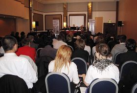 """""""反强摘器官医生协会""""组织在英国举办""""器官移植医学处于十字路口""""研讨会"""