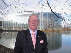'欧洲议会议员罗杰·赫尔默先生'