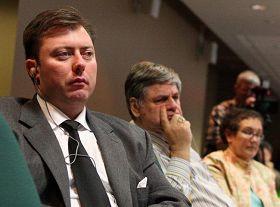 加拿大西卡尔加里国会议员罗伯•安德斯。图为安德斯在二零零九年五月二十七日在国会举办的中国问题论坛上。