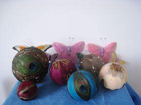 这种小球(直径7cm或5cm)是曾经小量制作的,据说拿到上海世博会参展。