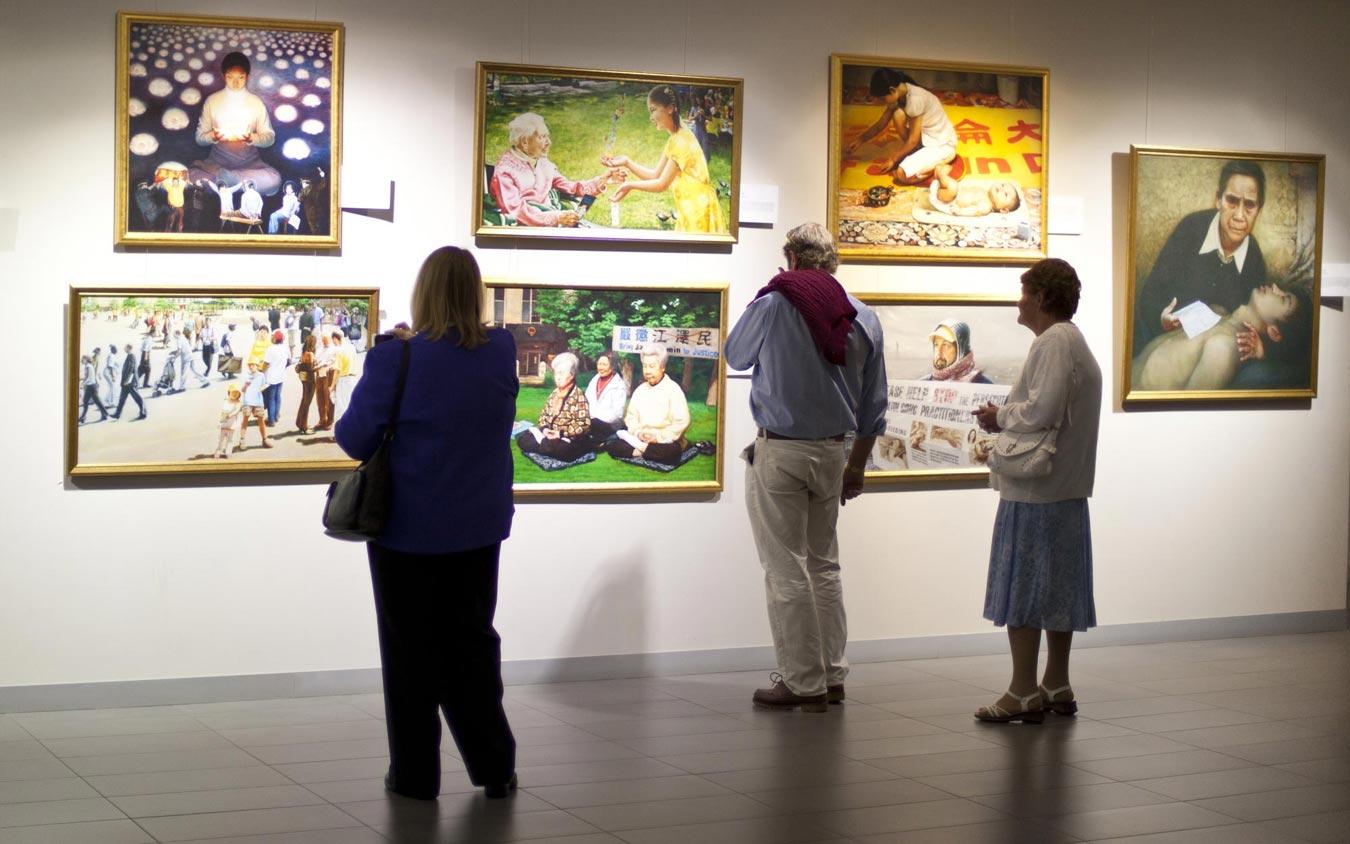 Exhibition Displays Australia : Western australia art exhibition displays hope and