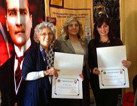 '国际狮子会土耳其羌乐贝分会会长向法轮功学员颁发感谢证书'