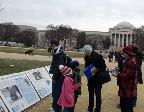 """""""Pháp Luân Đại Pháp hảo"""" vang dội trên Đại lộ Hiến pháp Washington, DC.4"""