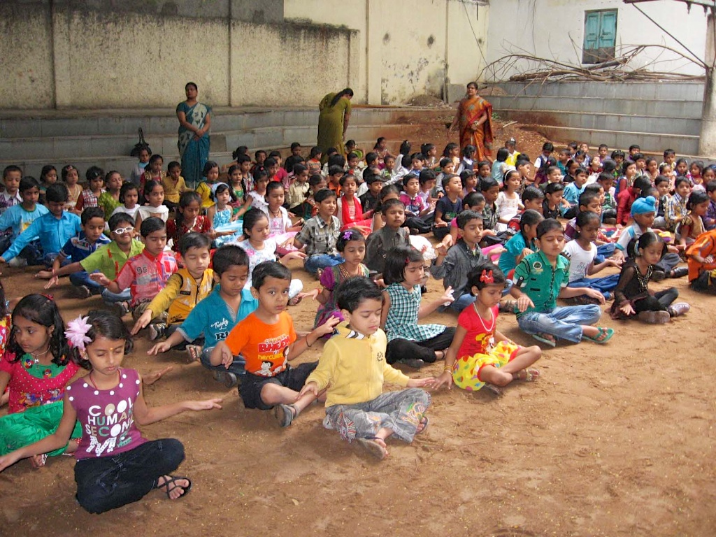 India: Presentando Falun Dafa en la Central Industrial de