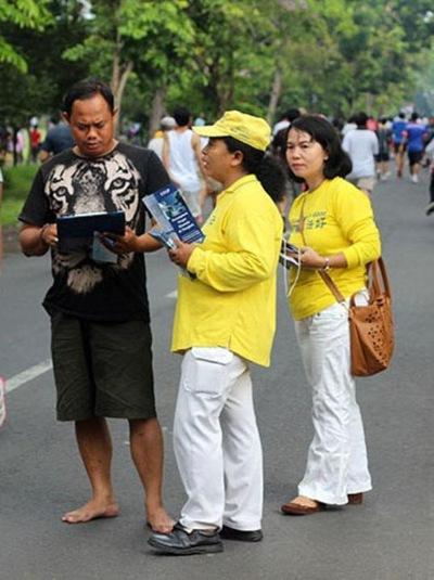Последователи Фалуньгун с острова Бали провели шествие