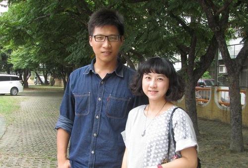 Wu Jiawei dan istri, Hu Xinyun.