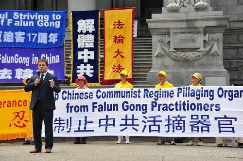 Elias Ishak, kandidat independen untuk Dewan Legislatif di B.C, menggambarkan Falun Gong sebagai bagian dari kebudayaan Tiongkok