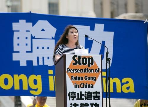 Michelle Hong dari Jubilee Campaign AS mengatakan pemerintah Tiongkok telah menggunakan kelaparan, pemukulan, penjara, memaksa pindah agama, dan penyiksaan dalam kampanye penganiayaan.