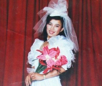 Zhang Haixia (korban penyiksaan), seorang wanita yang lincah dan semangat, sekarang menderita lupa ingatan yang parah setelah dibius berulang kali akibat penangkapannya pada Juni