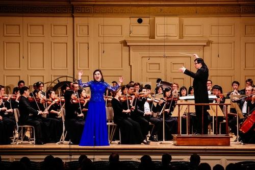 Shen Yun Symphony Orchestra - Soprano Geng Haolan