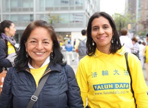 Amparo Ambia dari Bolivia (kiri) dan Minerva Cruise dari Dominica