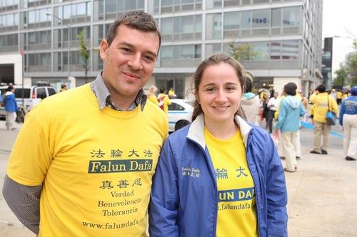 Juan Pablo Boschi (kiri) dan Mercedes Gambini, pasangan dari Argentina.