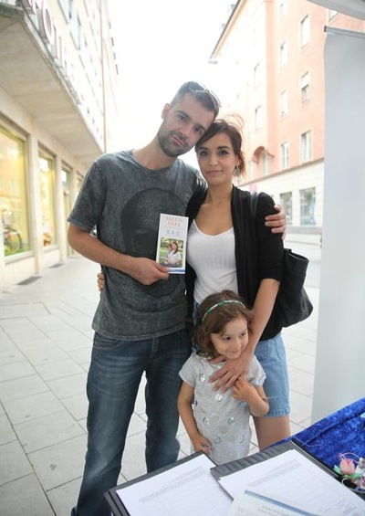 Dominik Mast dan keluarganya