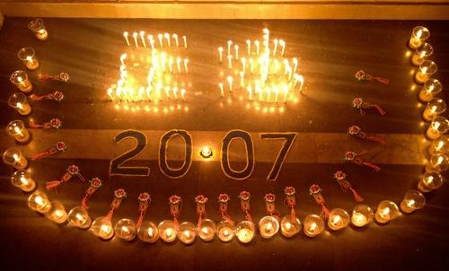 Penghormatan dengan lilin untuk peristiwa 20 Juli