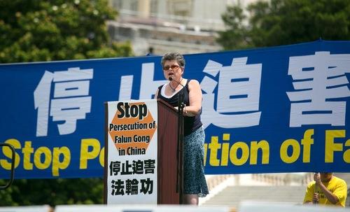 Faith McDonnell telah mendukung praktisi Falun Gong selama 11 tahun.
