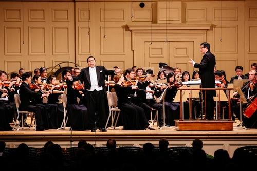 Shen Yun Symphony Orchestra - Tenor Tian Ge