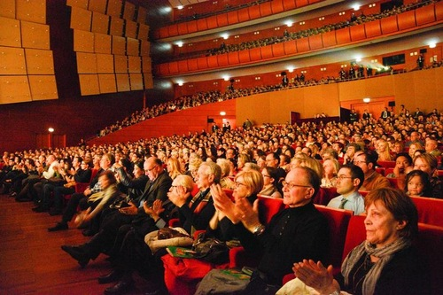 Shen Yun Performs in Europe and Latin America to High Praise and Appreciation