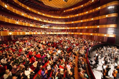 Shen Yun kembali ke New York Lincoln Center dari 9 hingga 18 Januari 2015.