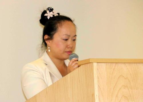 Para praktisi berbagi pengalaman di konferensi Falun Dafa