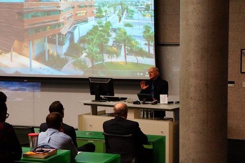 David Matas berbicara di forum