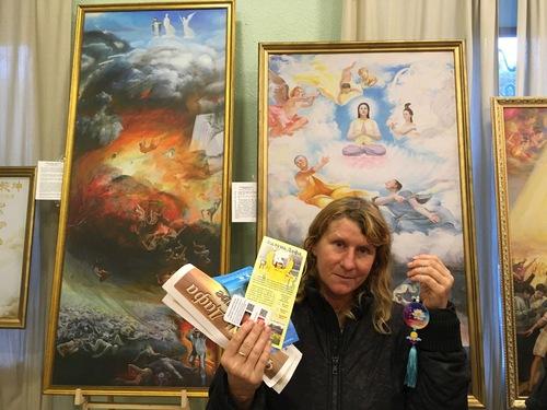 Выставка картин в Одессе раскрыла секреты гармонии человека