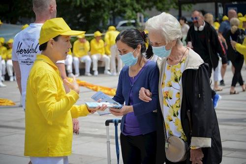 https://en.minghui.org/u/article_images/2021-7-18-vancouver-720-rally-parade_11.jpg