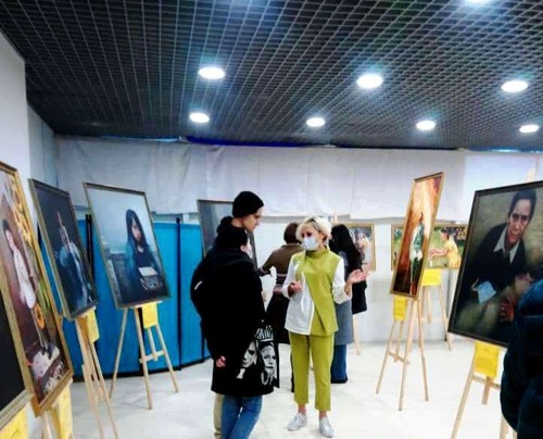 https://en.minghui.org/u/article_images/2021-9-23-russia-art-exhibition_05.jpg